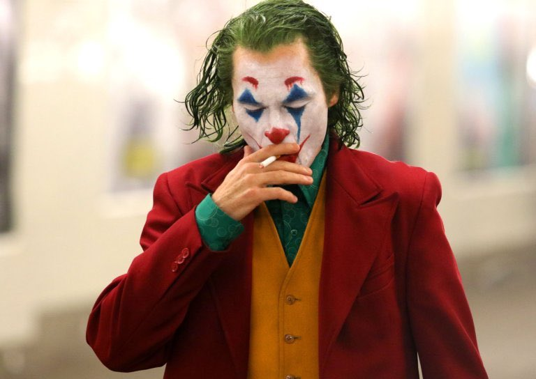 Joker de Todd Phillips avec Joaquin Phoenix et Frances Conroy